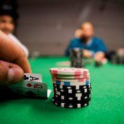Как играть в покер с разными комбинациями