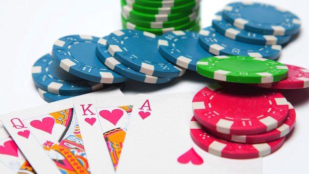 Как играть в покер без вложений