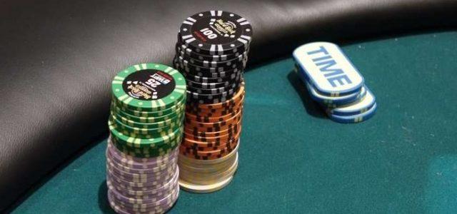 Баттон и его роль в покере