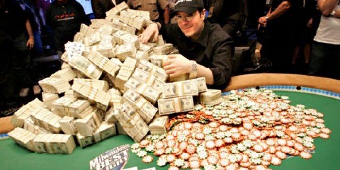 Как играть в покер не только интересно, но и с пользой