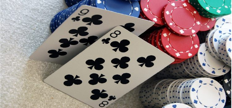 Преимущества и недостатки коннекторов в покере