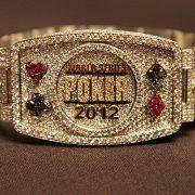 Кто дважды получил золотой браслет WSOP